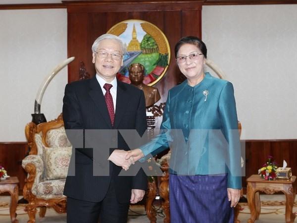 Vietnam atesora relaciones con Laos, afirma lider partidista hinh anh 1