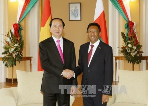 Presidente de Vietnam dialoga con su homologo de Madagascar hinh anh 1