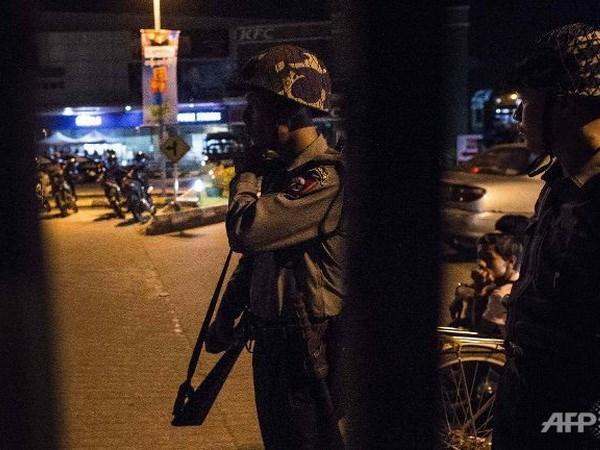 Policia de Myanmar detiene a sospechosos de serie de explosiones en Rangun hinh anh 1