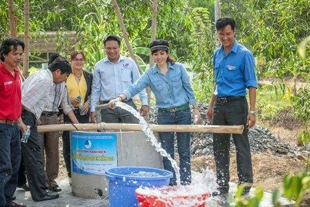 Provincia centrovietnamita garantizara agua potable a pobladores islenos hinh anh 1