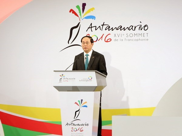 Vietnam dispuesto a estrechar lazos economicos con paises francofonos, destaca presidente hinh anh 1