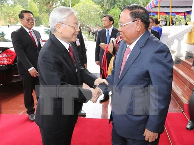Visita del secretario general del PCV promueve solidaridad especial con Laos, segun prensa laosiana hinh anh 1