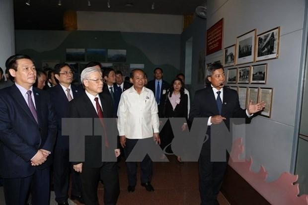 Dirigente laosiana destaca el exito de visita del lider partidista de Vietnam hinh anh 1