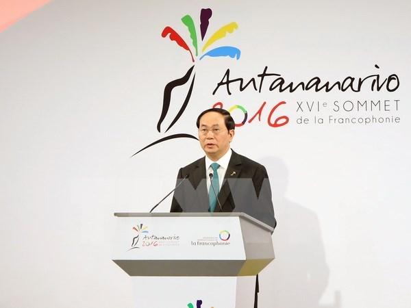 Presidente vietnamita mantiene encuentros al margen de Cumbre de Francofonia hinh anh 1