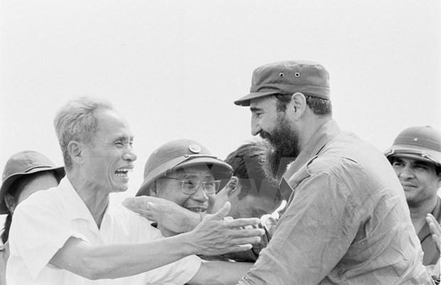 Fidel Castro, bandera de vanguardia en movimiento solitario con Vietnam hinh anh 1