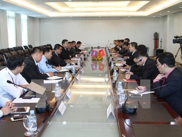 Impulsan conexiones de transporte entre Vietnam y Camboya hinh anh 1