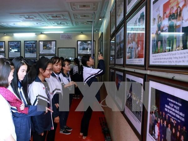 Efectuan exposicion fotografica sobre Truong Sa en Hanoi hinh anh 1
