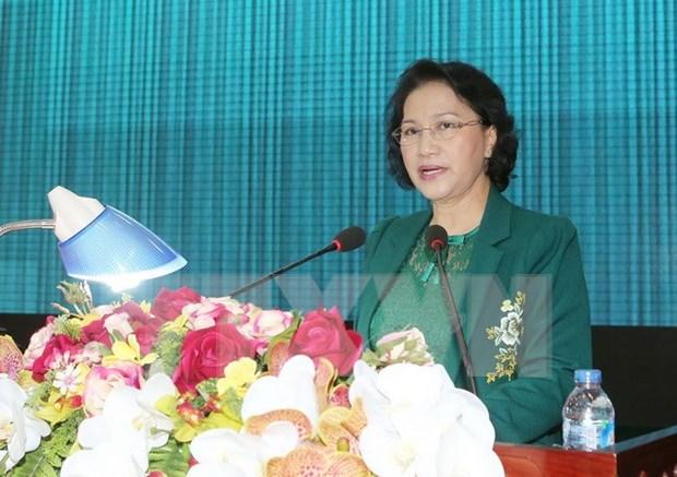 Presidenta de Parlamento dialoga con votantes de zona militar 9 hinh anh 1