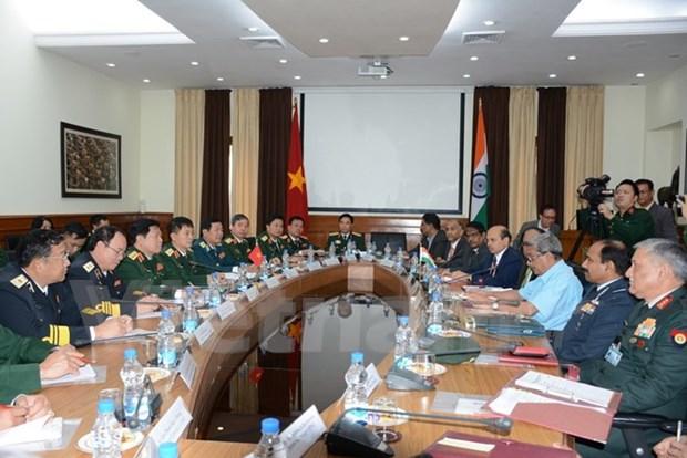 Vietnam e India, a todo vapor en fomento de nexos en industria de defensa hinh anh 1