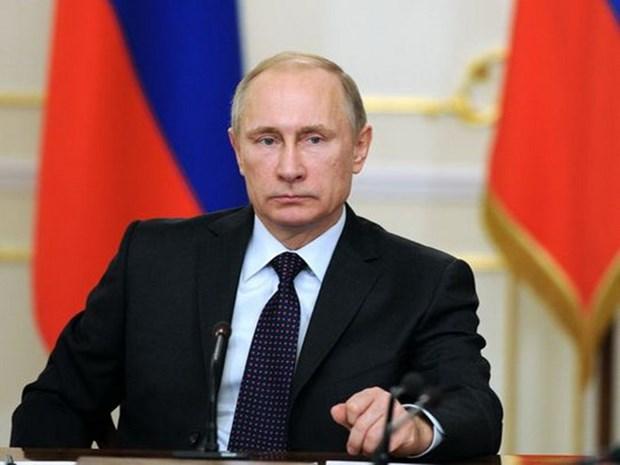 "Publican en Hanoi libro ""La familia del presidente Vladimir Putin"" hinh anh 1"
