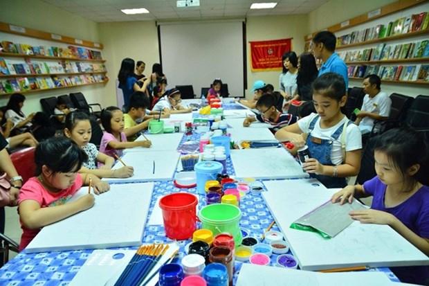 Entregan en Hanoi premios de concurso destinado a promover bellas artes entre ninos hinh anh 1