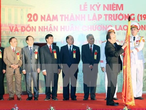 Urgen a universidad de Hanoi a convertirse en centro docente de alta calidad hinh anh 1