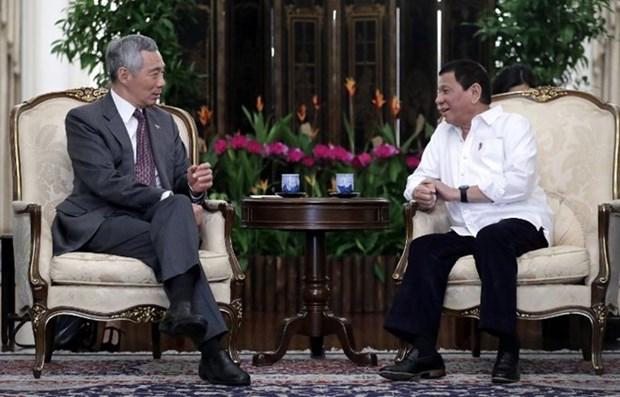 Presidente filipino Duterte visita Singapur hinh anh 1