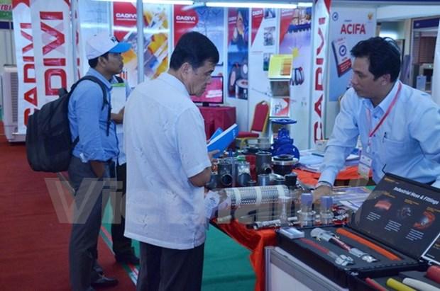 Empresas vietnamitas buscan penetrar al mercado camboyano hinh anh 1