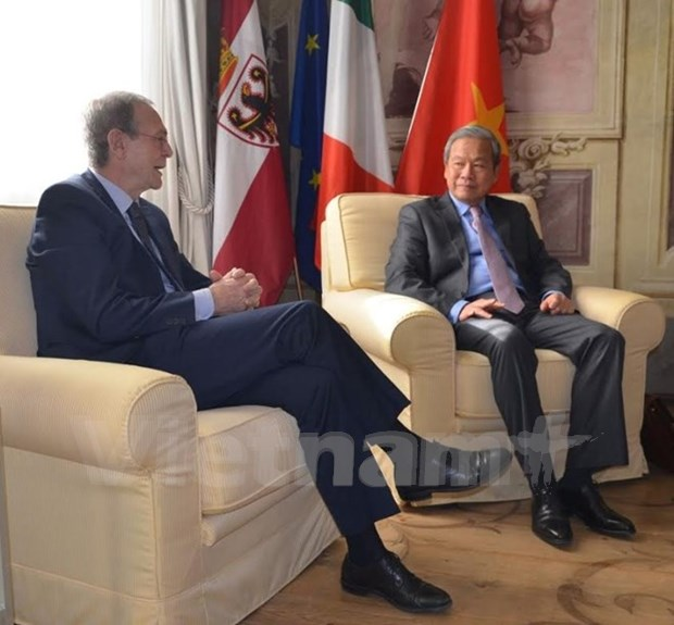 Provincia italiana desea intensificar colaboracion con localidad vietnamita hinh anh 1