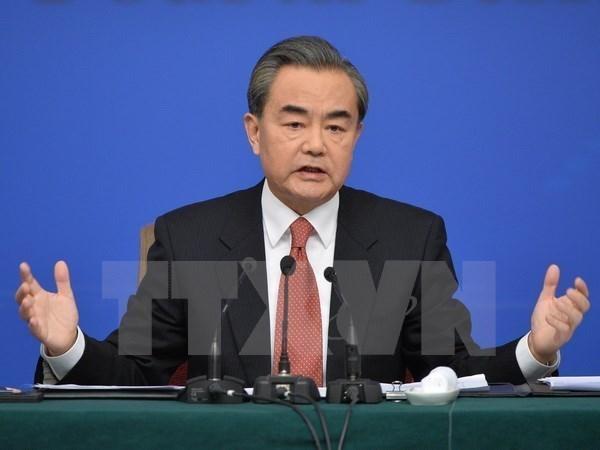 Canciller chino expresa solidaridad con victimas vietnamitas de inundaciones hinh anh 1