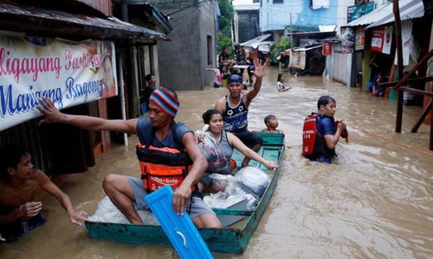 Filipinas: Evacuan a mas de 23 mil personas por intensas lluvias hinh anh 1