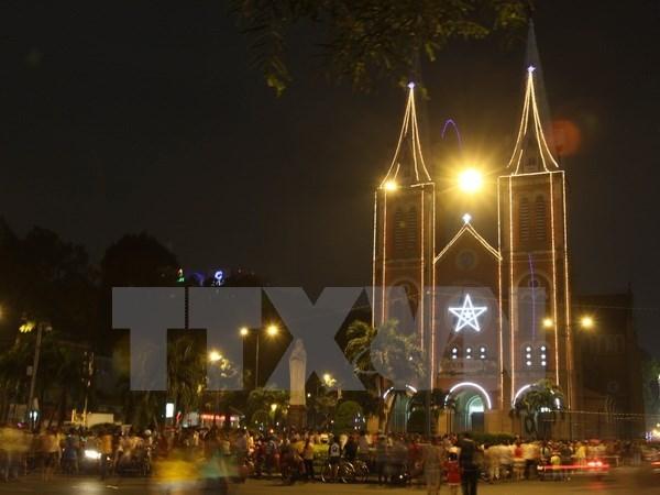 Felicitan a comunidad catolica y protestante en Vietnam por Navidad hinh anh 1