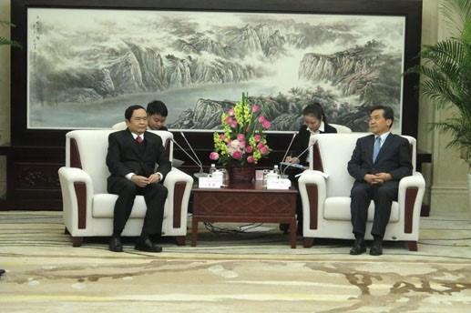 Vicepresidente del Frente de Patria de Vietnam visita China hinh anh 1