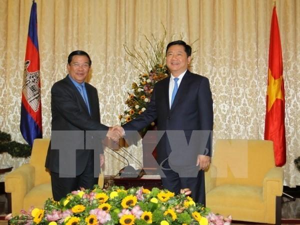 Amplias actividades del premier camboyano en Vietnam hinh anh 1