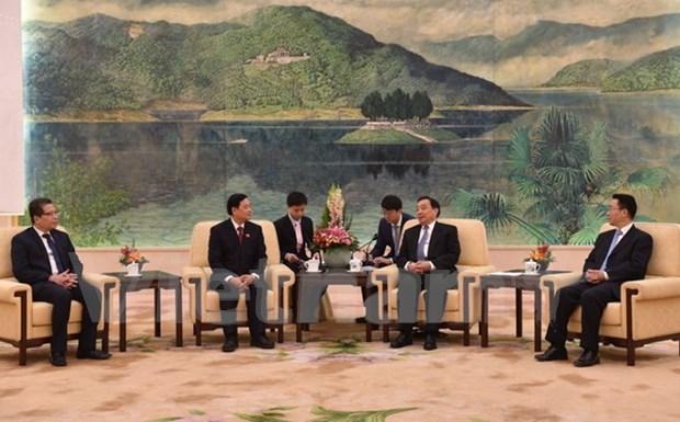 Vietnam y China intensifican cooperacion entre organos legislativos hinh anh 1