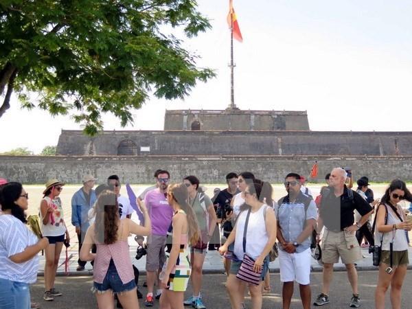 Vietnam logra nuevo record por recibir diez millones turistas extranjeros en 2016 hinh anh 1