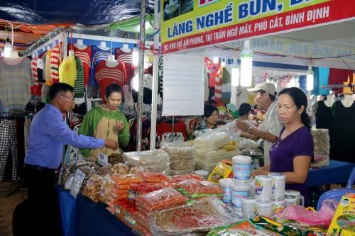 Inauguran Feria de Industria –agricultura – comercio de Binh Thuan hinh anh 1