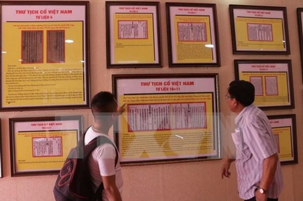 Publican libros sobre soberania maritima e insular de Vietnam hinh anh 1