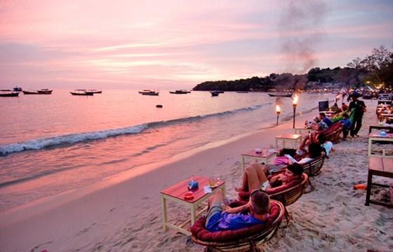 Vietnam promueve imagen en Festival Maritimo de Camboya 2016 hinh anh 1