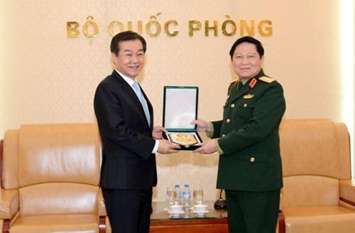 Ministro vietnamita recibe a subtitular de defensa sudcoreano hinh anh 1