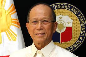 Filipinas puede reubicar ejercicios navales con Estados Unidos: ministro de Defensa hinh anh 1
