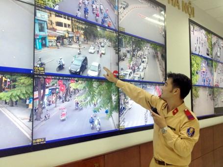 Proponen instalar mas camaras para supervisar trafico en Hanoi hinh anh 1