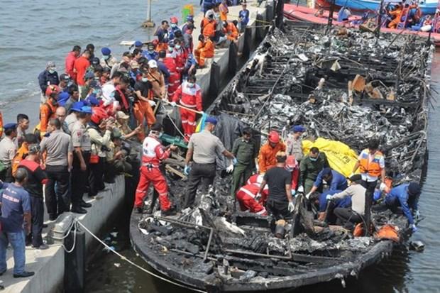 Indonesia: Arrestan a capitan de ferry tras incendio mortal hinh anh 1