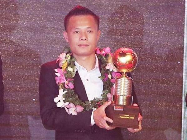 Honran a futbolistas mas destacados de Vietnam en 2016 hinh anh 1