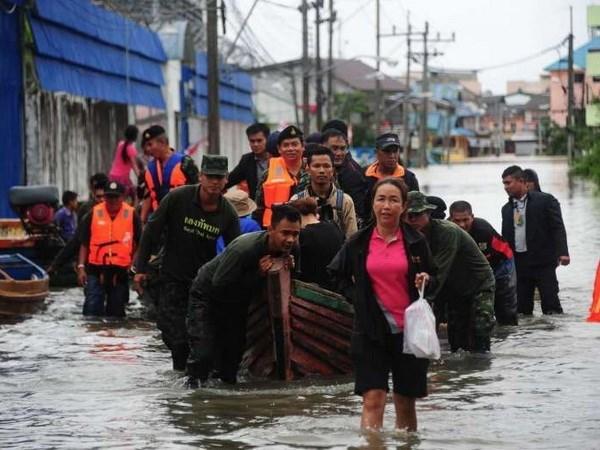 Inundaciones afectan a miles de personas en el Sur de Tailandia hinh anh 1