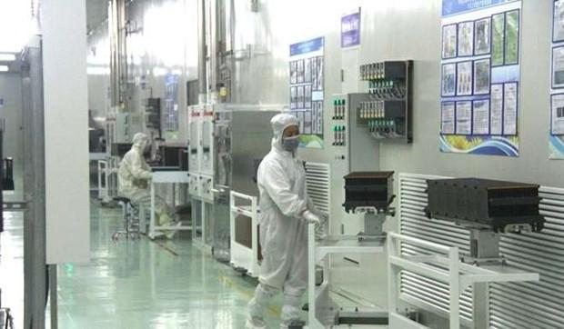 Inauguran en provincia de Bac Giang fabrica de paneles solares hinh anh 1
