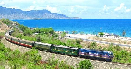 Sector ferroviario en Vietnam por un desarrollo sostenible en 2017 hinh anh 1