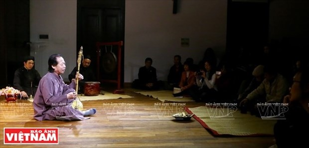 El Artista del Pueblo Xuan Hoach y el canto Xam hinh anh 1