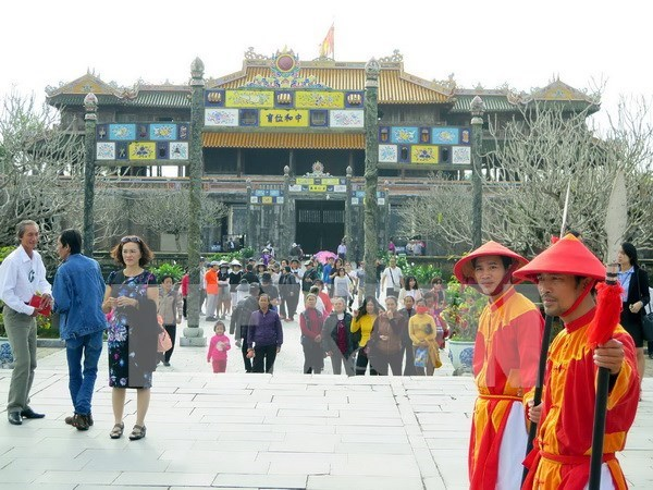 Thua Thien-Hue fija meta de atraer a 3,5 millones de turistas en 2017 hinh anh 1