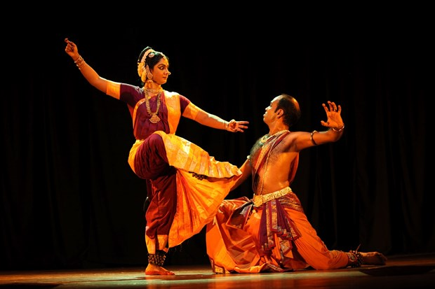 Abren en Hanoi clase gratuito de danza tradicional india hinh anh 1
