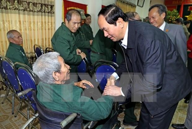 Presidente vietnamita visita a veteranos de guerra hinh anh 1