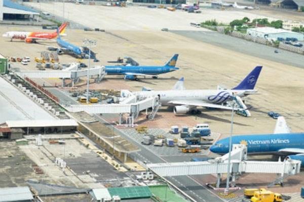 Impulsan cooperacion entre autoridades aeroportuarias de Vietnam y Francia hinh anh 1