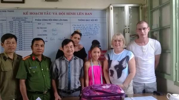 Devuelven equipaje extraviado a turista britanico durante viaje en Vietnam hinh anh 1