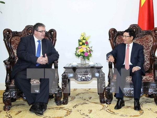 Acuerdo sobre cooperacion crediticia promueve vinculos entre Vietnam y Hungria hinh anh 1
