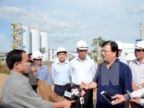 Vicepremier vietnamita exige proteger entorno en fabrica de alumina Nhan Co hinh anh 1