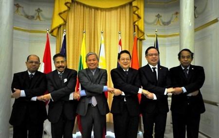Embajador vietnamita sugiere fomentar desempeno de ASEAN en Italia hinh anh 1