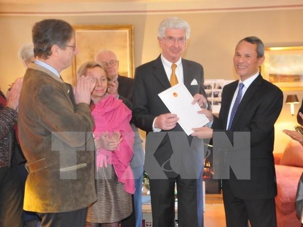 Baron De Grand Ry, otra vez designado Consul Honorario de Vietnam en Belgica hinh anh 1