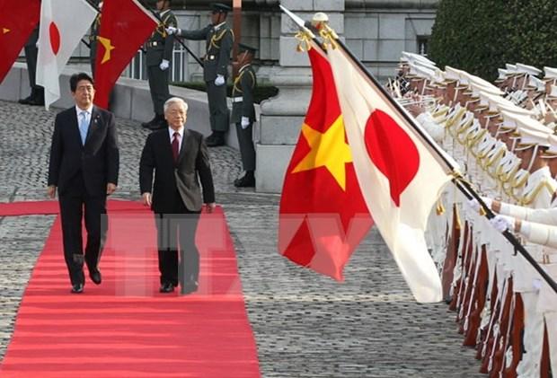 Visita de Shinzo Abe abre nueva perspectiva para nexos Vietnam-Japon hinh anh 1