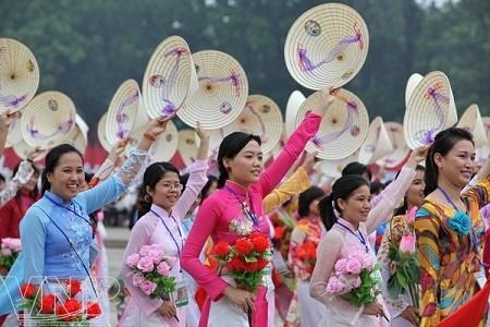 Efectuan seminario sobre labores femeninas en Vietnam en nueva coyuntura hinh anh 1