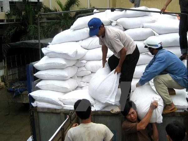 Gobierno de Vietnam provee arroz a localidades necesitados en ocasion del Tet hinh anh 1